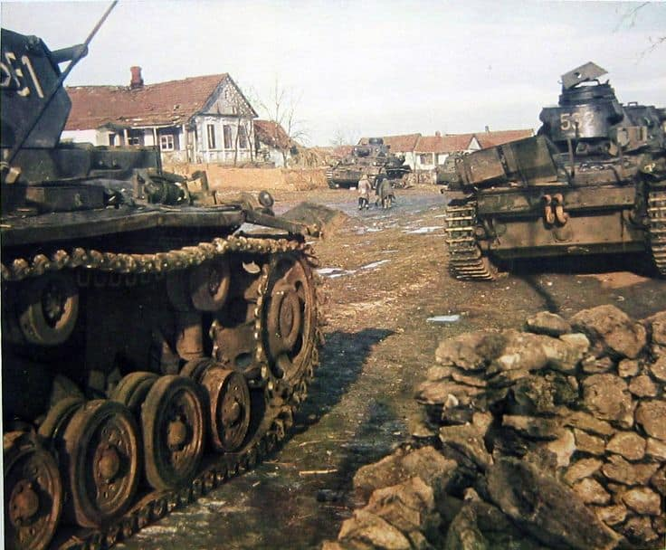 American Paint And Wallpaper Fall River 32 Photographs Of Hitler S Operation Barbarossa