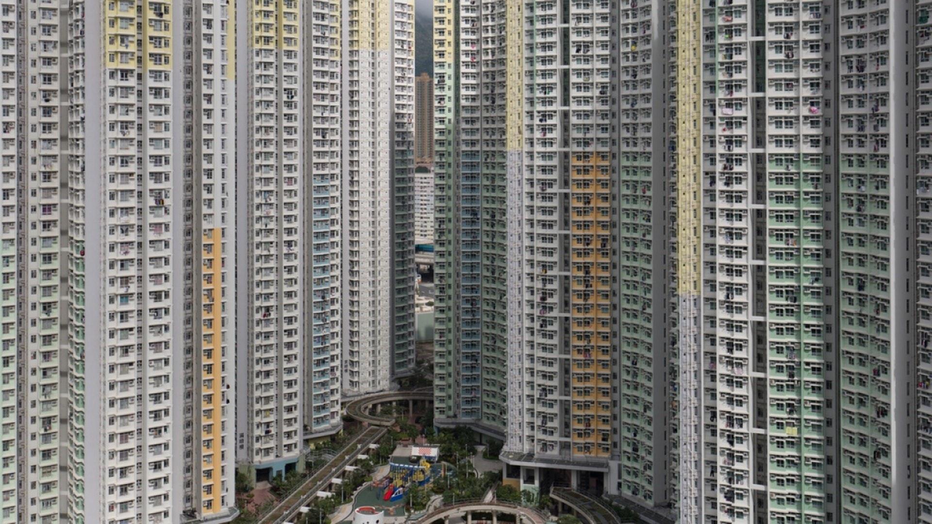 憂新公屋富戶政策須遷出單位 4.1萬人刪家庭成員戶籍 年增兩成|香港01|社會新聞