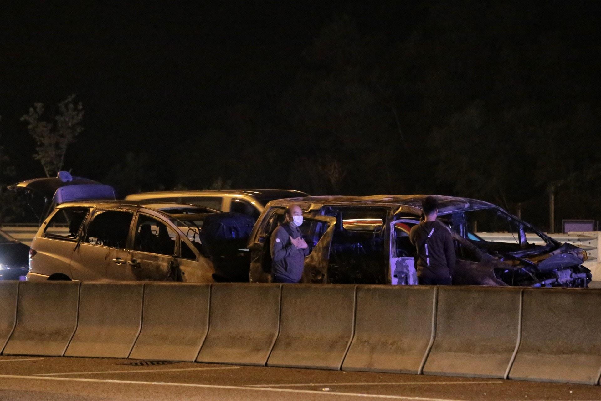 【放工注意】屯門公路十車相撞 兩車起火焚燒 來往屯公交通擠塞 - 香港 TIMES