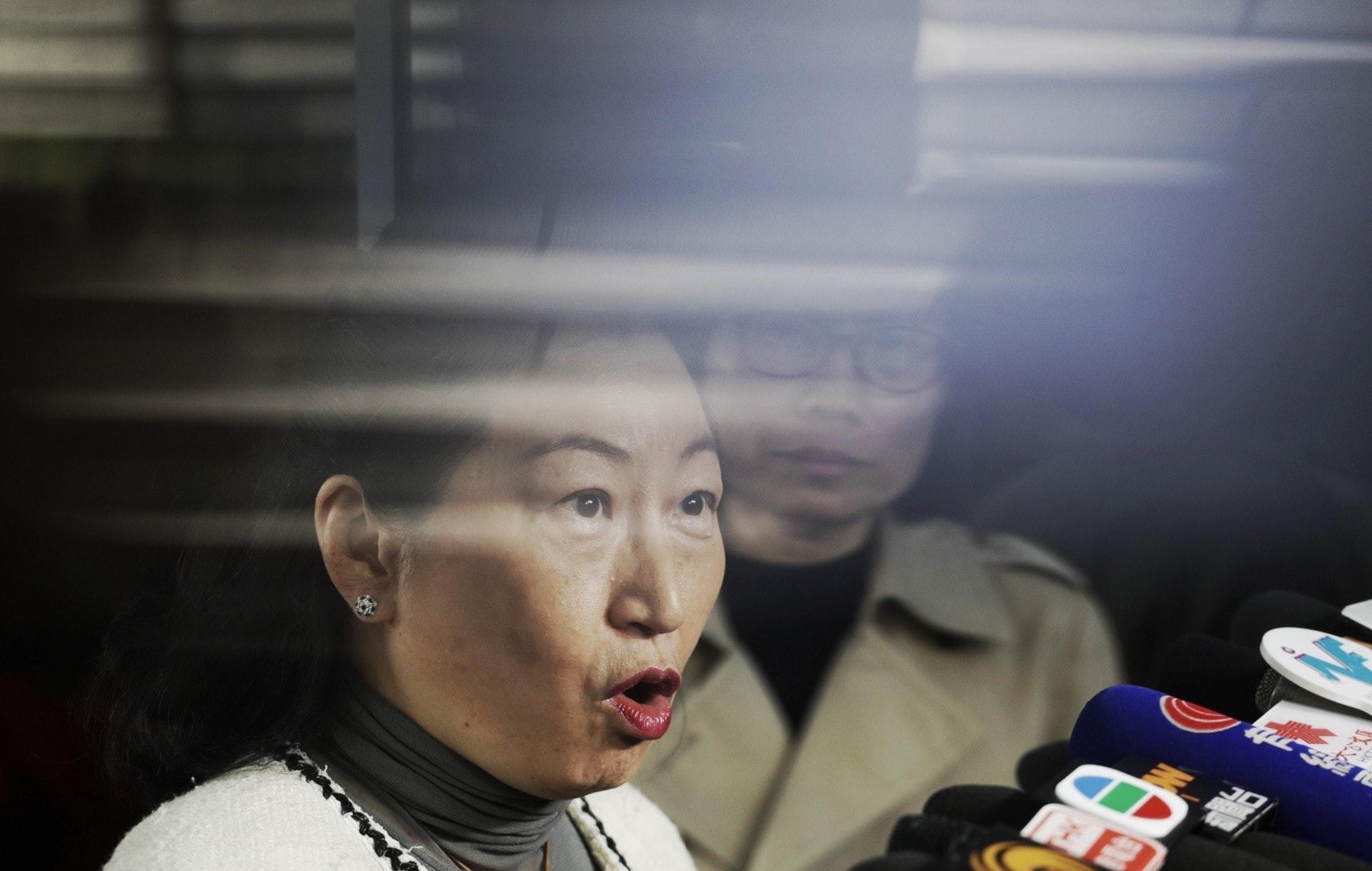鄭若驊任仲裁員時無申報兒子曾任職案中律師行 被要求撤銷資格|香港01|政情