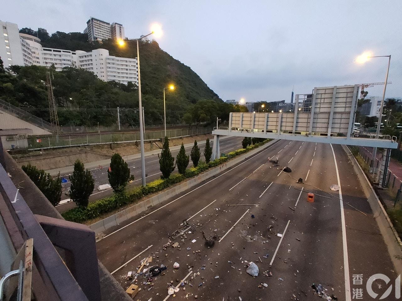 【11.15】示威者重開部分吐露港公路 民間記者會指三罷絕不止息 香港01 政情