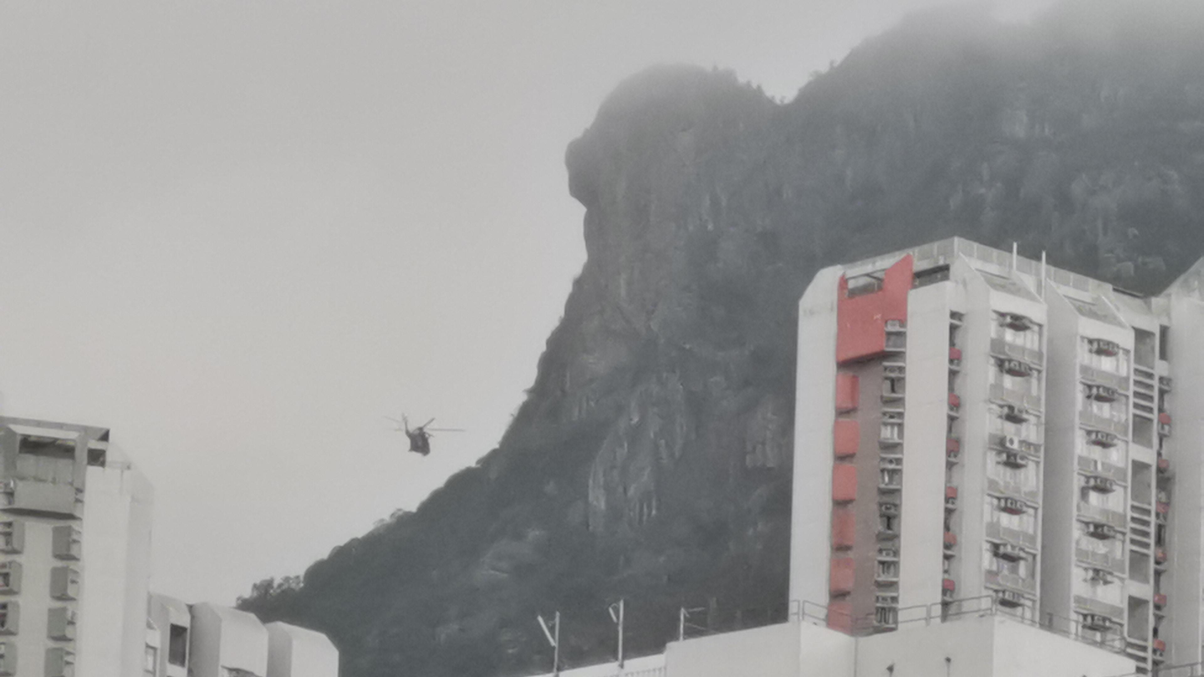 56歲行山婦獅子山墮崖30米 直升機救起證實不治 香港01 突發