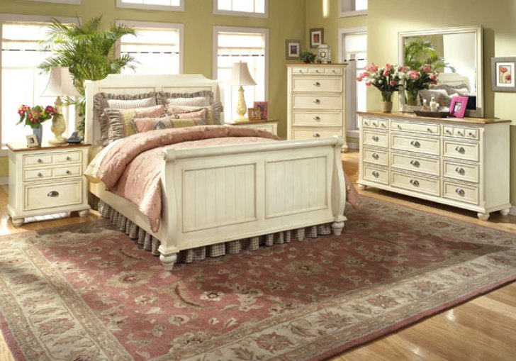 French Cottage Decor Bedroom