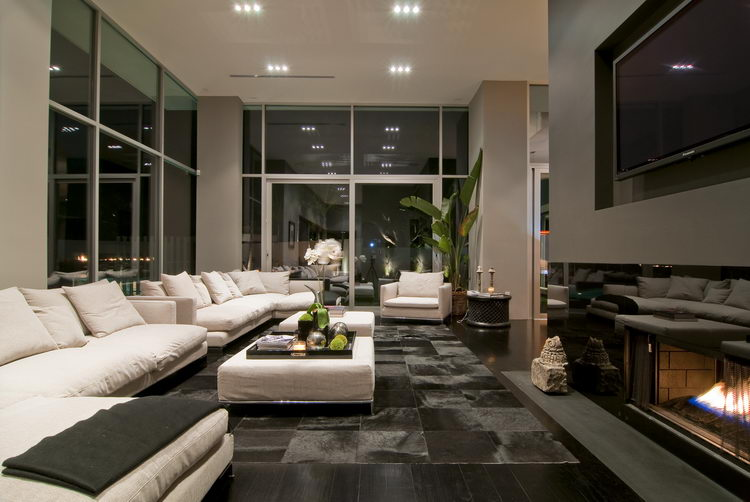 Spectacular Home in Hollywood Nightingale House