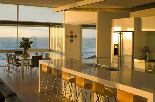 Stunning Beach House by Pete Bossley