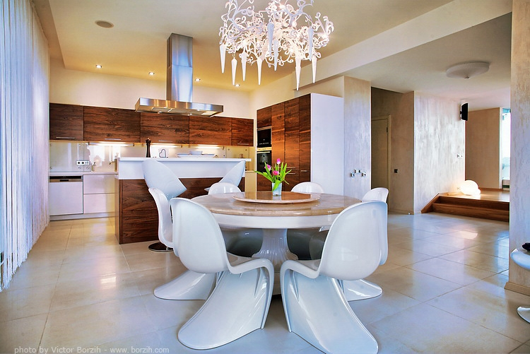 s dining chair revolving making noise beautiful pantone interior design ideas