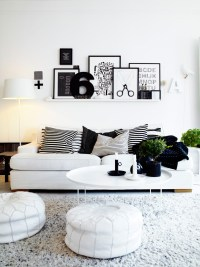 10 Black and white living room shelving