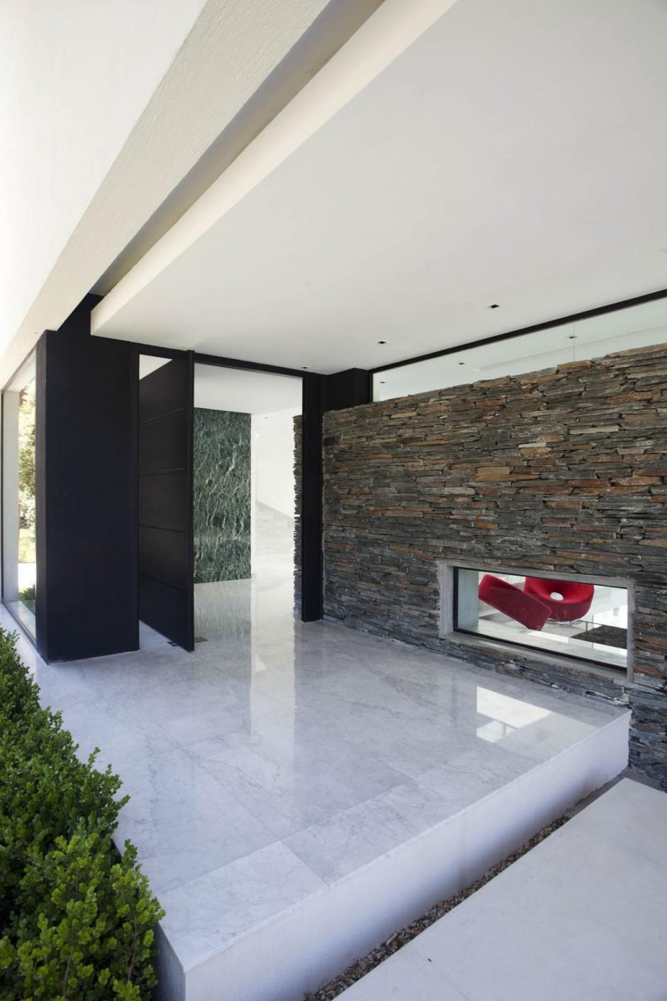 Carrara House Entrance Door Interior Design Ideas