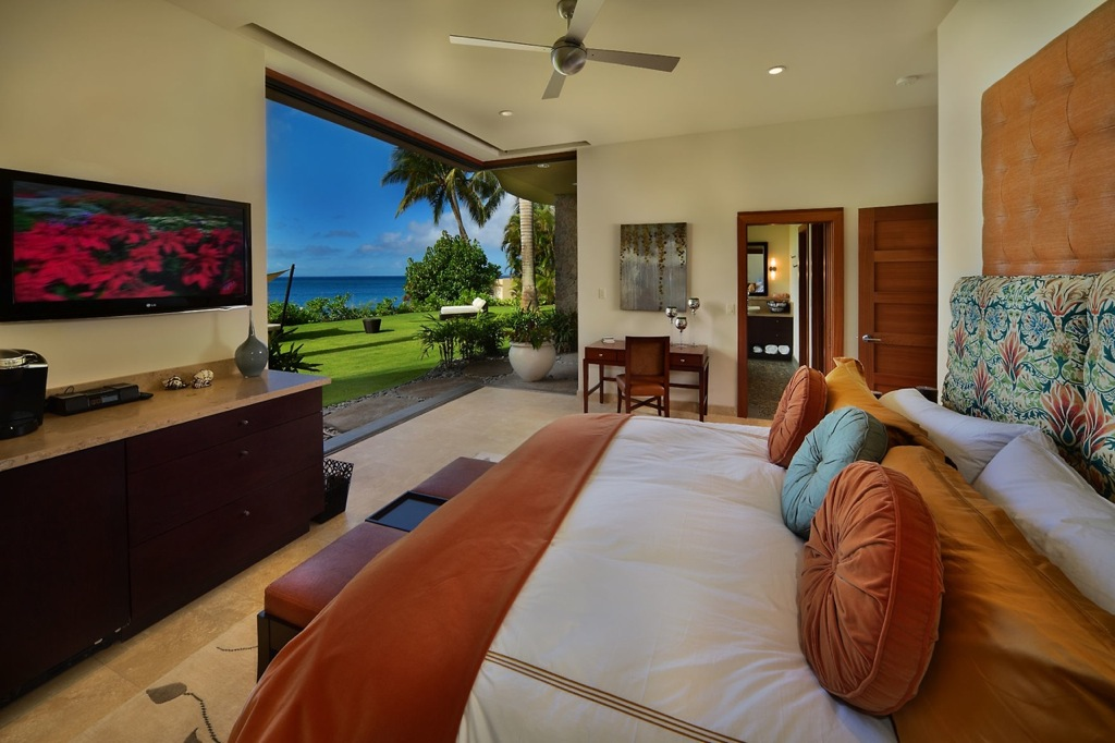 Jewel of Kahana House Beachside in Maui Hawaii
