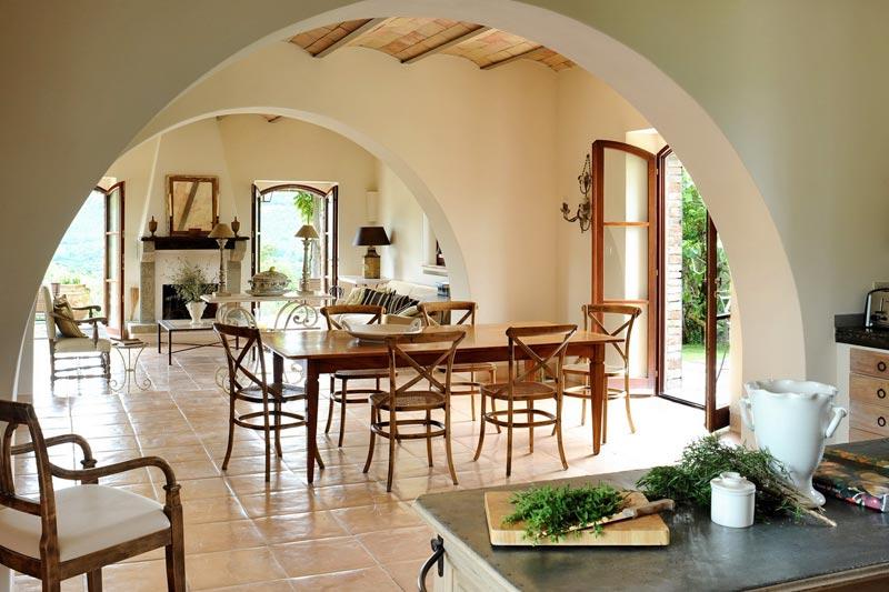 Col delle Noci Italian Villa rustic dining room  Interior