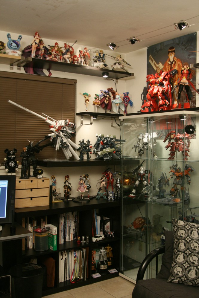 Workspaces of Figurine Comic  Manga Enthusiasts