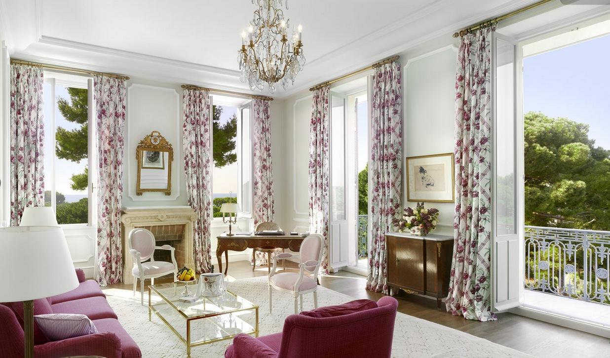 Purple white living room  Interior Design Ideas