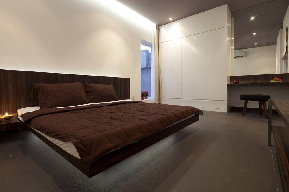 Modern white brown bedroom  Interior Design Ideas