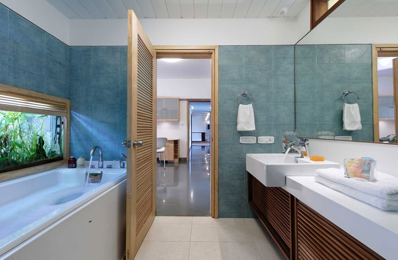 Blue bathroom decor  Interior Design Ideas
