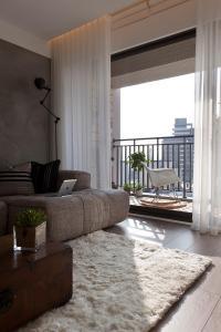 Gray white cream living room | Interior Design Ideas.