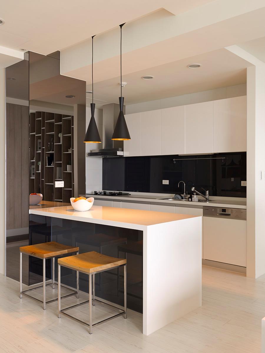 Black white kitchen island  Interior Design Ideas