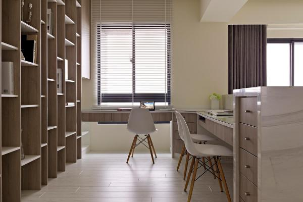 Large home office design Interior Design Ideas
