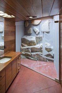 modern lakehouse bathroom | Interior Design Ideas.