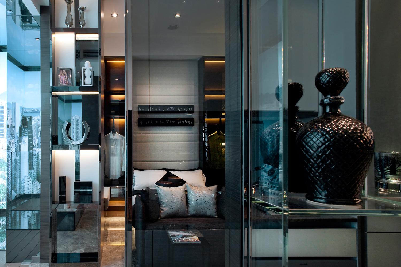 Organised Cool Contrast Darkened Apartment Living Steve