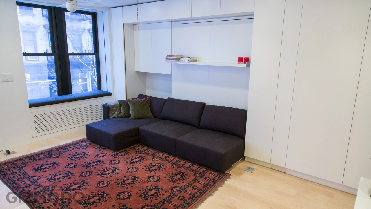Tiny Transforming Apartment In New York