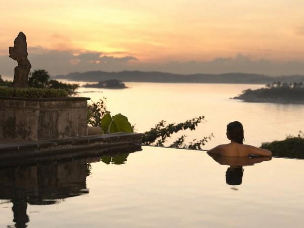 romantic infinity pool with island views