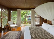 Como Shambhala Estate Bali- Wooden And White Guest Room