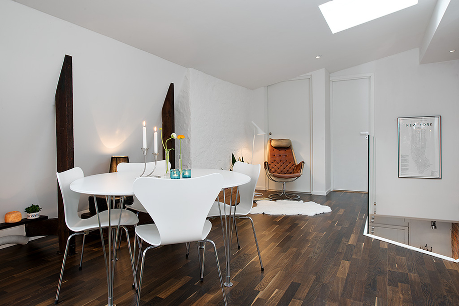 f Urban Apartment with Terrrace white casual dining on