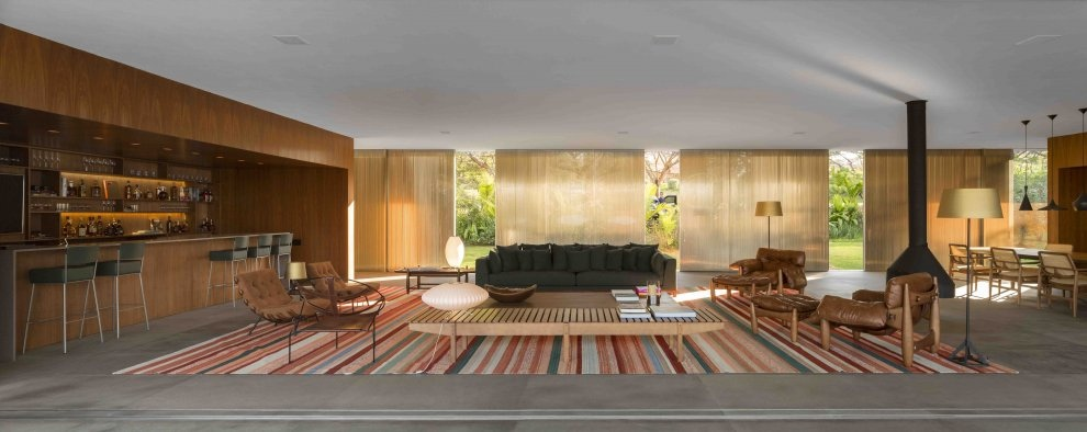 Marcio Kogans Casa Lee Concrete House open plan living