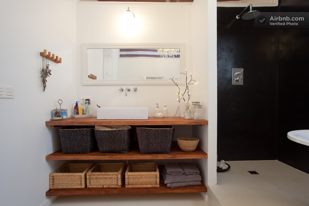 Spain Modern Master Bathroom 4 Interior Design Ideas
