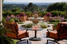 Ideas for Outdoor Patio Design with Fountain
