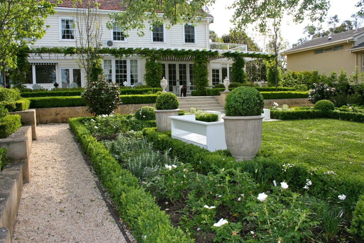 Traditional Garden Interior Design Ideas