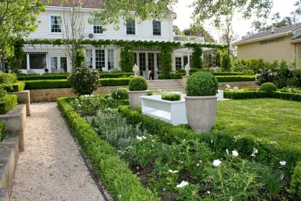 traditional garden interior design