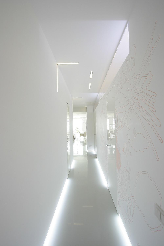 Hallway lighting  Interior Design Ideas