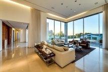 Modern High Ceiling Design for Living Room