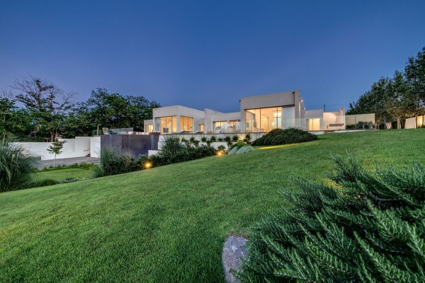 modern luxury villas designed