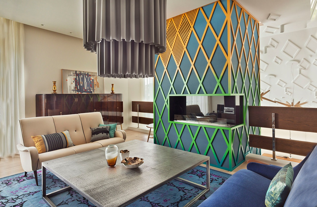 An Eclectic Moscow Home Showcases Color and Creative Style