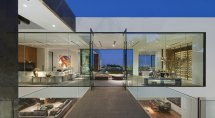 Modern Glass House Interior Design