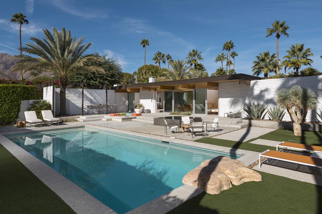 A MidCentury Desert Oasis in Palm Springs