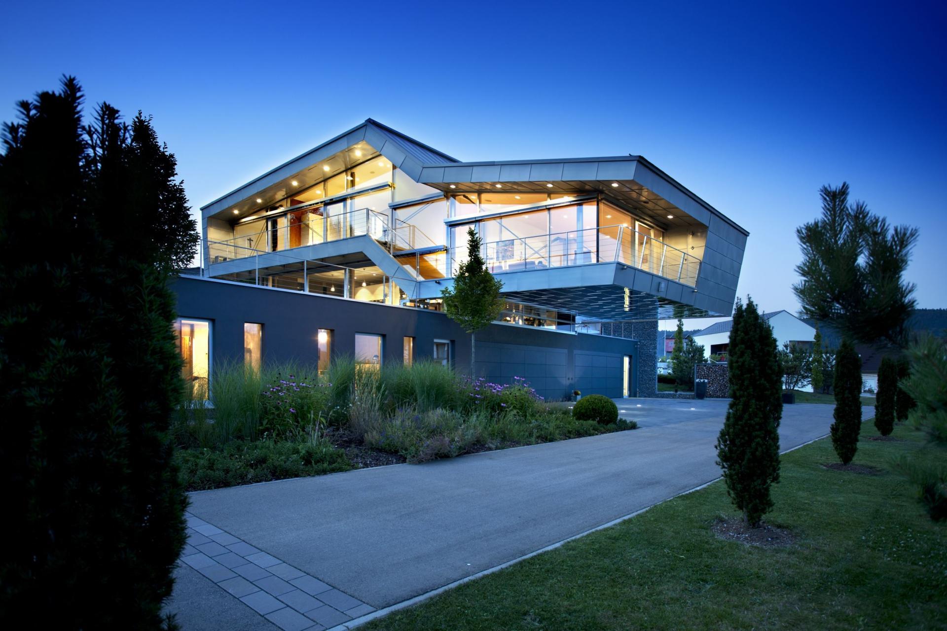 An Engineer's Incredible High Tech Dream Home