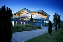 High-Tech Modern Homes