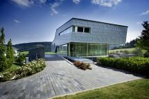 High-Tech House Design