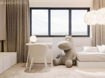 Ritzy UK Home with Glam Metallic Accents images 28