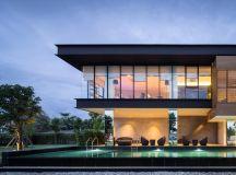 A Sprawling Modern Home in Bangkok images 33