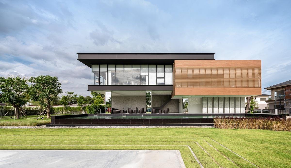 Incredible! A Sprawling Modern Home In Bangkok