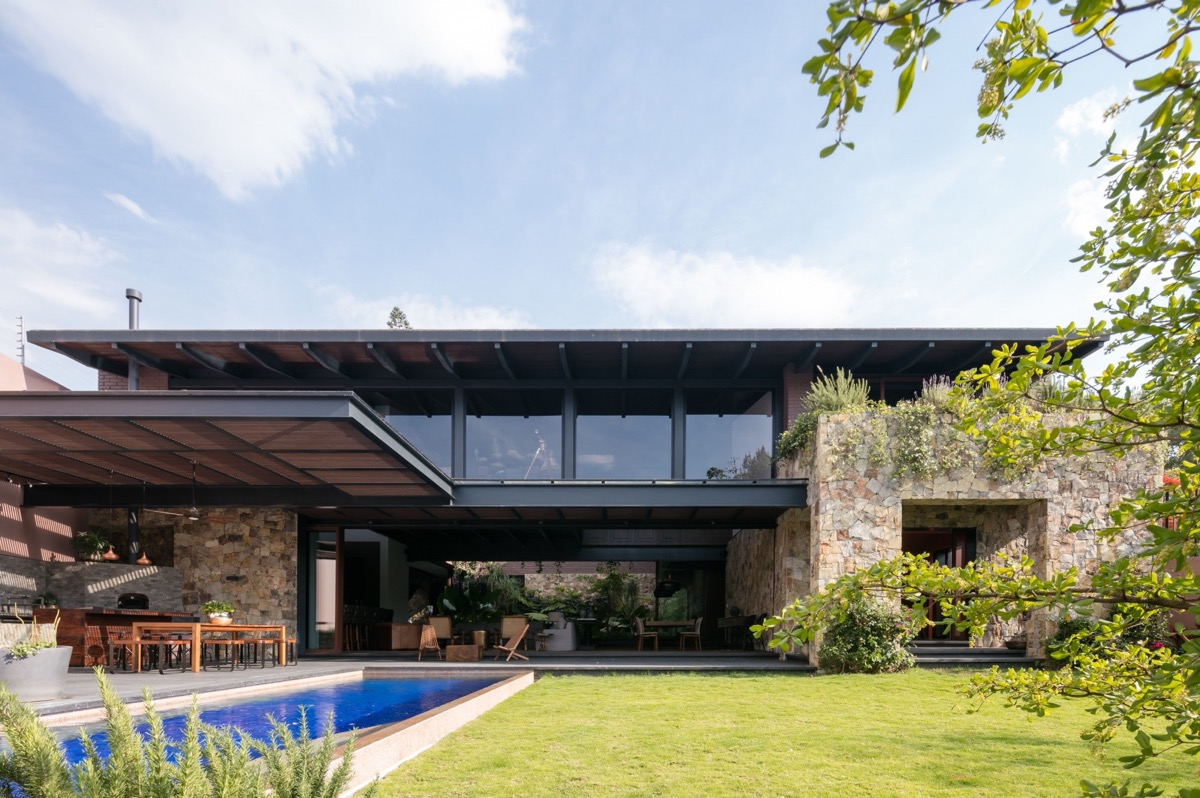 Wonderful! Modern Mexican Build With Tropical Gardens
