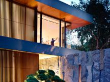 The Contemporary Home Of A Majestic Pre-War Rain Tree images 9