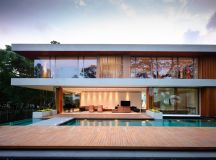 The Contemporary Home Of A Majestic Pre-War Rain Tree images 1