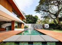 The Contemporary Home Of A Majestic Pre-War Rain Tree images 15