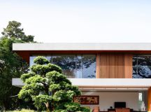 The Contemporary Home Of A Majestic Pre-War Rain Tree images 6