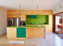 33 Gorgeous Green Kitchens And Ways To Accessorize Them images 3